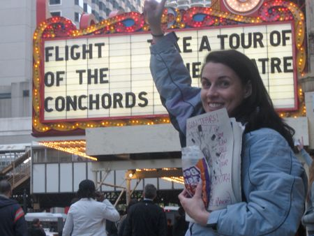 mary looking for flight of the conchords tickets in chicago and handing out dragon tears